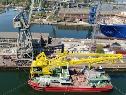 "Floating crane ""Expert 3"""