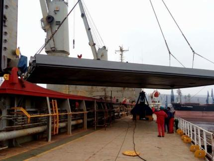 MV ELPIDA GR - Instalation of hatch cover